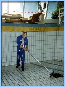 Nettoyage piscine awesome nettoyage de piscine par lucien for Nettoyage piscine verte